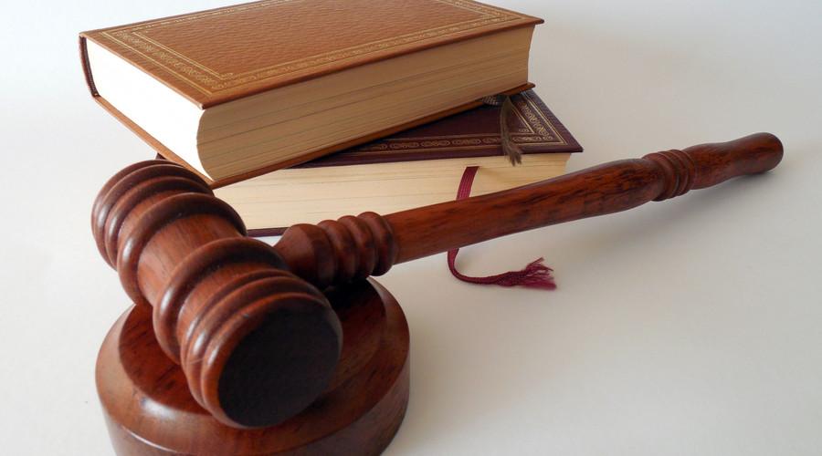 被告开庭不出席怎么判